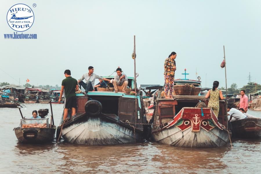 2 DAY 1 NIGHT - CAN THO MEKONG DELTA 3 AUTHENTIC FLOATING MARKETS color